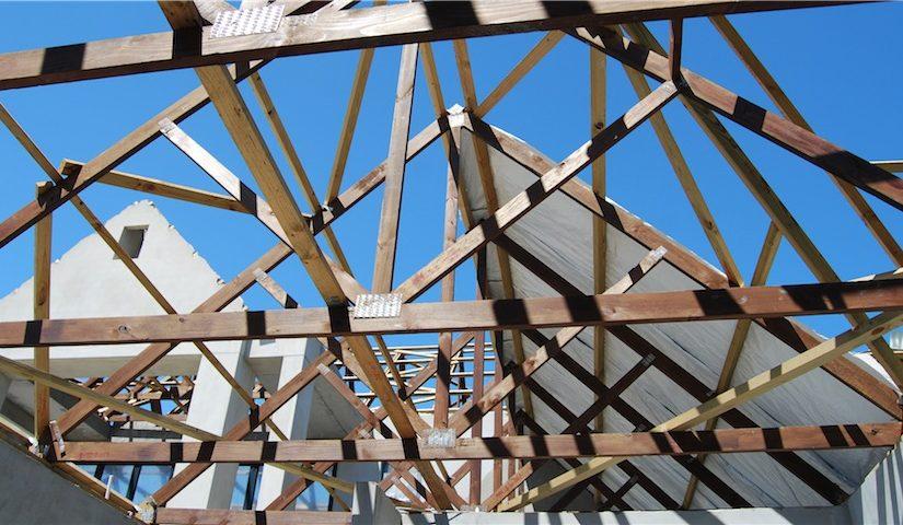 Ištisinio pagrindo įrengimas stogo konstrukcijoje